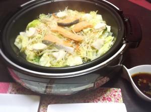 キャベツと鮭の洋風鍋